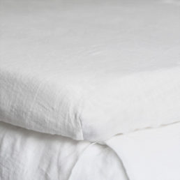 Fitted washed linen bed sheet