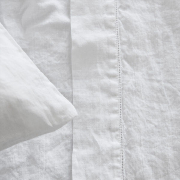 linen bed cover with hem stich